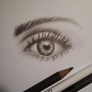 rysunki-oko-grafik-komputerowy
